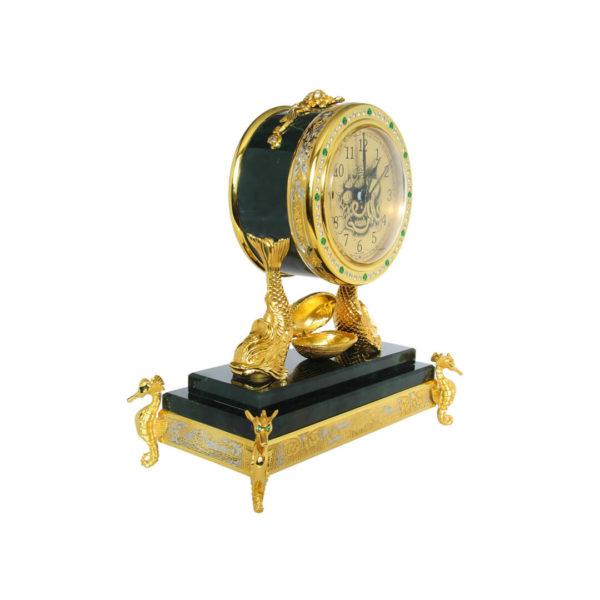 Часы в подарок начальнику военному