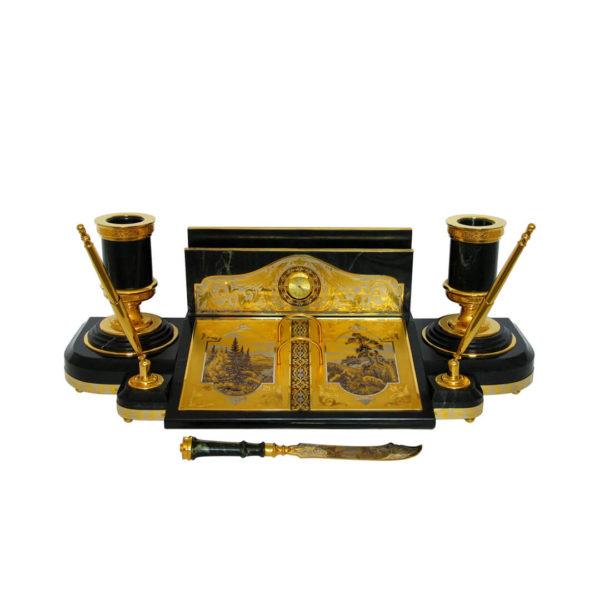 Настольный письменный прибор из камня