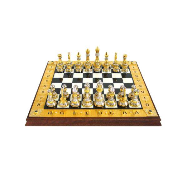Дорогой подарок для любителей шахмат