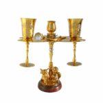 Винный набор с подсвечником является дорогим подарком на свадьбу или юбилей