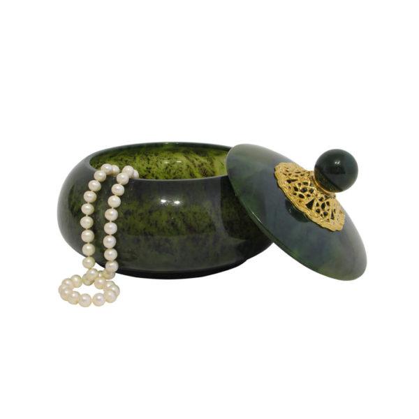 Шкатулка нефритовая для украшений в подарок женщине.
