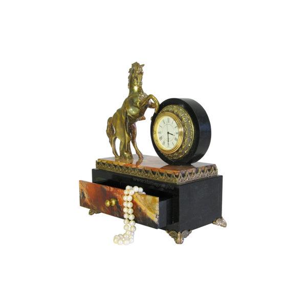 Часы из камня со шкатулкой
