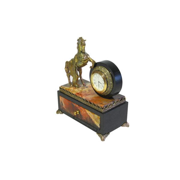 Купить часы настольные Конь с попоной