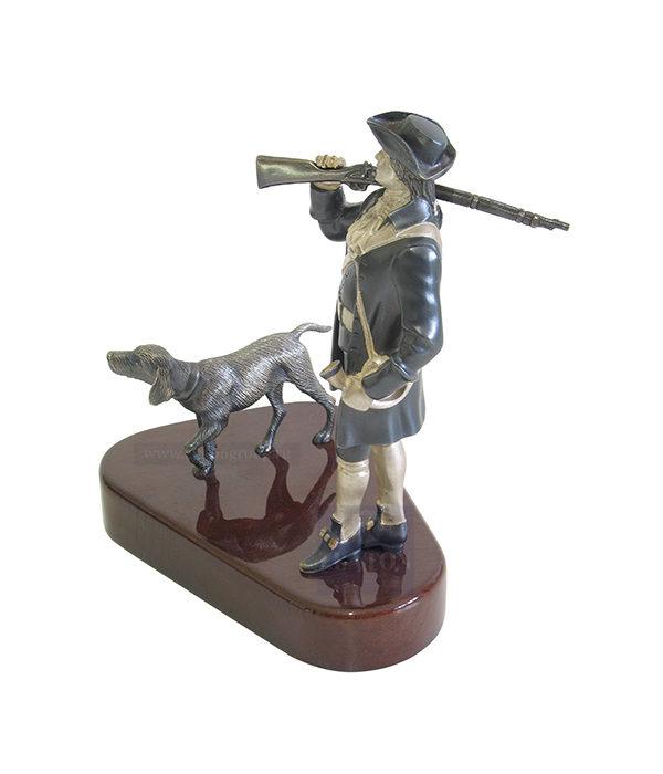 """Купить скульптуру """"Охотник с собакой"""""""