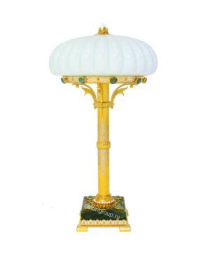 Нефритовая лампа настольная